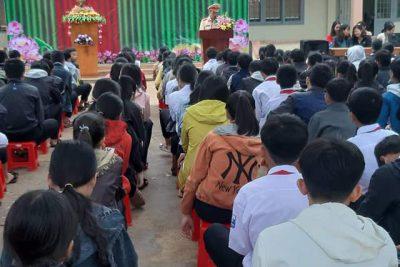CBGV-CNV  và HS trường THCS Chu Văn An tham gia: LỄ PHÁT ĐỘNG PHONG TRÀO TOÀN DÂN THAM GIA BẢO VỆ AN NINH TỔ QUỐC